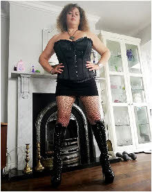 Miss Athena of London offers BDSM and CP services