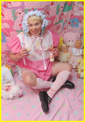 Sissy adult baby girl in frilly bonnet